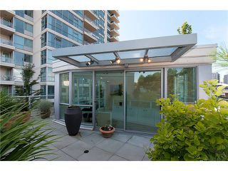 """Photo 16: 128 PRIOR Street in Vancouver: Mount Pleasant VE Townhouse for sale in """"CREEKSIDE"""" (Vancouver East)  : MLS®# V1016762"""
