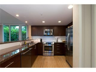 """Photo 7: 128 PRIOR Street in Vancouver: Mount Pleasant VE Townhouse for sale in """"CREEKSIDE"""" (Vancouver East)  : MLS®# V1016762"""