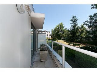 """Photo 11: 128 PRIOR Street in Vancouver: Mount Pleasant VE Townhouse for sale in """"CREEKSIDE"""" (Vancouver East)  : MLS®# V1016762"""