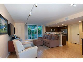 """Photo 3: 128 PRIOR Street in Vancouver: Mount Pleasant VE Townhouse for sale in """"CREEKSIDE"""" (Vancouver East)  : MLS®# V1016762"""