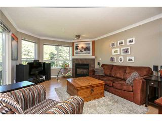 """Photo 4: 407 2439 WILSON Avenue in Port Coquitlam: Central Pt Coquitlam Condo for sale in """"AVEBURY POINT"""" : MLS®# V1027199"""