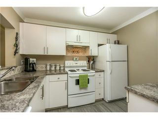 """Photo 8: 407 2439 WILSON Avenue in Port Coquitlam: Central Pt Coquitlam Condo for sale in """"AVEBURY POINT"""" : MLS®# V1027199"""