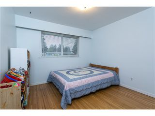 Photo 10: 553 DRAYCOTT ST in Coquitlam: Central Coquitlam House for sale : MLS®# V1036712