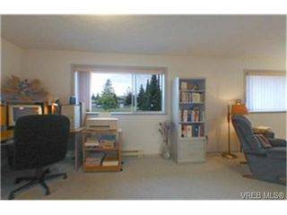 Photo 8: 11 1287 Verdier Ave in BRENTWOOD BAY: CS Brentwood Bay Row/Townhouse for sale (Central Saanich)  : MLS®# 339376