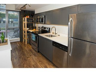 Photo 6: # 101 2511 QUEBEC ST in Vancouver: Mount Pleasant VE Condo for sale (Vancouver East)  : MLS®# V1098293