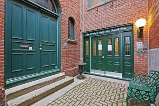 Photo 2: 289 Sumach St Unit #8 in Toronto: Cabbagetown-South St. James Town Condo for sale (Toronto C08)  : MLS®# C3715626