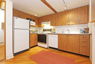 Photo 5: 289 Sumach St Unit #8 in Toronto: Cabbagetown-South St. James Town Condo for sale (Toronto C08)  : MLS®# C3715626