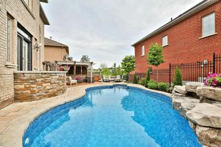 Photo 2: 2448 Upper Valley Cres in : 1015 - RO River Oaks FRH for sale (Oakville)  : MLS®# OM2088759