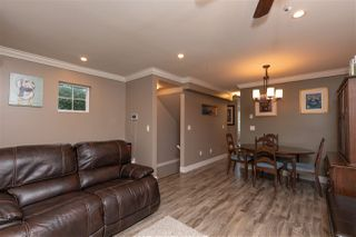 """Photo 6: 24 33313 GEORGE FERGUSON Way in Abbotsford: Central Abbotsford Townhouse for sale in """"Cedar Lane"""" : MLS®# R2389130"""