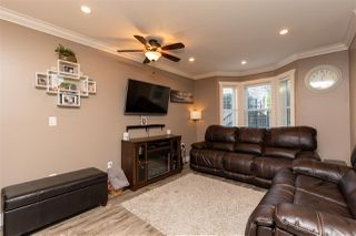 """Photo 4: 24 33313 GEORGE FERGUSON Way in Abbotsford: Central Abbotsford Townhouse for sale in """"Cedar Lane"""" : MLS®# R2389130"""