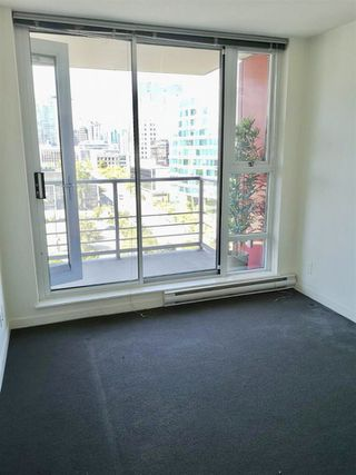"Photo 4: 1503 602 CITADEL Parade in Vancouver: Downtown VW Condo for sale in ""SPECTRUM 4"" (Vancouver West)  : MLS®# R2412721"