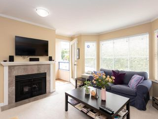 "Photo 5: 202 2355 W BROADWAY in Vancouver: Kitsilano Condo for sale in ""CONNAUGHT PARK PLACE"" (Vancouver West)  : MLS®# R2464829"