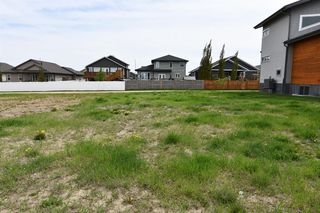 Main Photo: 11 Leonard Close in Sylvan Lake: Lakeway Landing Land for sale : MLS®# A1005185