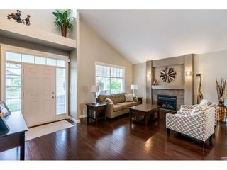 """Photo 4: 19788 69 Avenue in Langley: Willoughby Heights House for sale in """"Providence"""" : MLS®# R2479891"""