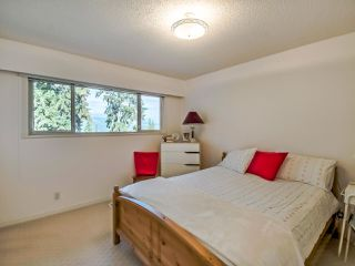 Photo 10: 465 MCGILL Drive in Port Moody: College Park PM House for sale : MLS®# R2508085