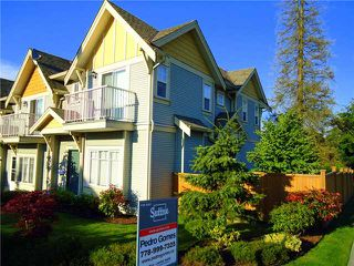 Photo 1: 3188 GILMORE Avenue in Burnaby: Central BN Townhouse for sale (Burnaby North)  : MLS®# V1009445