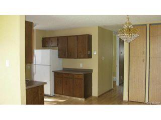 Photo 7: 1062 McLeod Avenue in WINNIPEG: North Kildonan Single Family Attached for sale (North East Winnipeg)  : MLS®# 1412031
