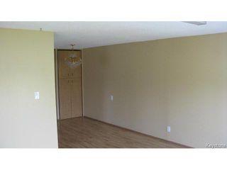 Photo 5: 1062 McLeod Avenue in WINNIPEG: North Kildonan Single Family Attached for sale (North East Winnipeg)  : MLS®# 1412031