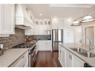 Photo 5: 2071 Hedgestone Lane in VICTORIA: La Bear Mountain Residential for sale (Langford)  : MLS®# 339240