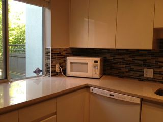 Photo 12: # 204 3188 CAMOSUN ST in Vancouver: Point Grey Condo for sale (Vancouver West)  : MLS®# V1071895