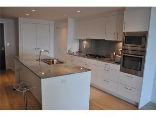 "Photo 2: 802 728 W 8TH Avenue in Vancouver: Fairview VW Condo for sale in ""700 West 8th"" (Vancouver West)  : MLS®# V1082906"