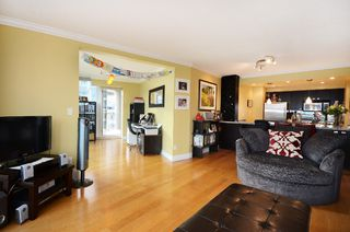 Photo 3: #1102-388 Drake St. in Vancouver: Yaletown Condo for sale (Vancouver West)  : MLS®# v1028296