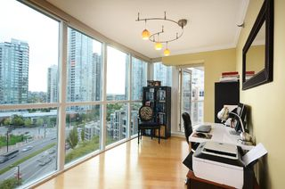 Photo 5: #1102-388 Drake St. in Vancouver: Yaletown Condo for sale (Vancouver West)  : MLS®# v1028296