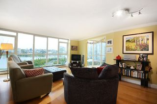 Photo 2: #1102-388 Drake St. in Vancouver: Yaletown Condo for sale (Vancouver West)  : MLS®# v1028296