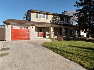 Photo 1: 75 Leeds Avenue in Winnipeg: Fort Richmond Residential for sale (South Winnipeg)  : MLS®# 1529735