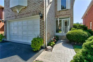 Photo 2: 4490 Violet Road in Mississauga: East Credit Freehold for sale