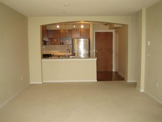 Photo 4: 315 1330 Genest Way in Coquitlam: Westwood Plateau Condo for sale : MLS®# R2006947