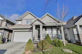 Photo 1: 19383 73a Avenue in Cloverdale: Cloverdale BC House for sale (FVREB Out of Town)  : MLS®# R2030231