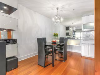 Photo 6: 206 1106 PACIFIC STREET in Vancouver: West End VW Condo for sale (Vancouver West)  : MLS®# R2150323