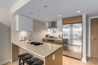 Photo 4: 1006 1618 QUEBEC STREET in Vancouver: Mount Pleasant VE Condo for sale (Vancouver East)  : MLS®# R2307232
