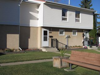 Photo 1: 7, 9310 Morinville Drive in Morinville: Townhouse for rent