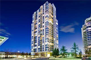 Photo 2: 77 SPRUCE PL SW in Calgary: Spruce Cliff Condo for sale