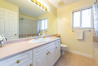 "Photo 16: 149 2979 PANORAMA Drive in Coquitlam: Westwood Plateau Townhouse for sale in ""DEERCREST"" : MLS®# R2419317"