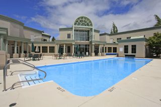 "Photo 16: #402 13860 70 Avenue in Surrey: East Newton Condo for sale in ""Chelsea Gardens"" : MLS®# R2435738"