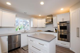 """Photo 2: 5338 GALLEON Place in Delta: Neilsen Grove House for sale in """"MARINA GARDENS"""" (Ladner)  : MLS®# R2470866"""