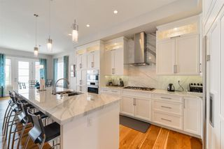 Photo 2: 2664 WATCHER Way in Edmonton: Zone 56 House for sale : MLS®# E4223880