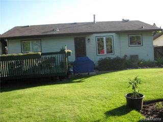 Photo 2: 334 Kellins Crescent in Saskatoon: Forest Grove Single Family Dwelling for sale (Saskatoon Area 01)  : MLS®# 426609