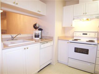 "Photo 12: 106 1558 GRANT Avenue in Port Coquitlam: Glenwood PQ Condo for sale in ""GRANT GARDENS"" : MLS®# V978642"