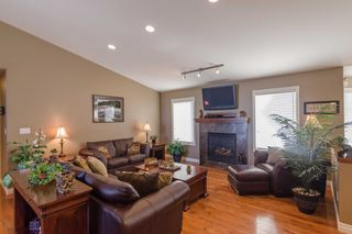Photo 2: 43 Sage Place in Oakbank: Single Family Detached for sale : MLS®# 1407611