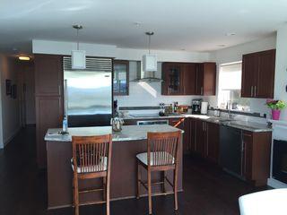 Photo 3: 401 14955 Victoria Avenue: White Rock Condo for sale (South Surrey White Rock)  : MLS®# R2049801