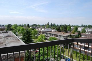 Photo 2: 605 6540 BURLINGTON AVENUE in Burnaby: Metrotown Condo for sale (Burnaby South)  : MLS®# R2222166