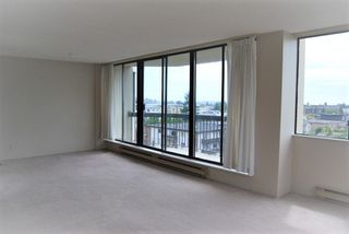 Photo 4: 605 6540 BURLINGTON AVENUE in Burnaby: Metrotown Condo for sale (Burnaby South)  : MLS®# R2222166