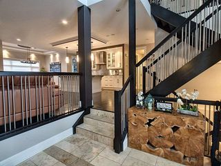 Photo 2: 4010 MacTaggart Drive in Edmonton: Zone 14 House for sale : MLS®# E4170729