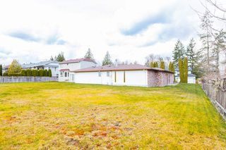 """Photo 18: 23156 122 Avenue in Maple Ridge: East Central House for sale in """"Blossom Park"""" : MLS®# R2447512"""