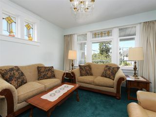 Photo 3: 2609 Foul Bay Rd in : OB Henderson House for sale (Oak Bay)  : MLS®# 851747