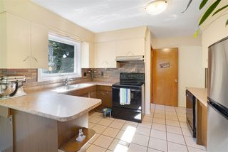 Photo 2: 4403 120 Avenue in Edmonton: Zone 23 House for sale : MLS®# E4214595